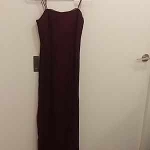 Striking Tahari long dress in excellent condition